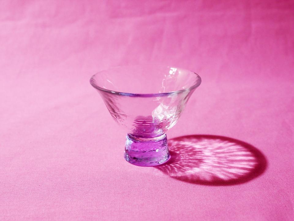 献血者顕彰規程の記念品・ガラス器(紫)